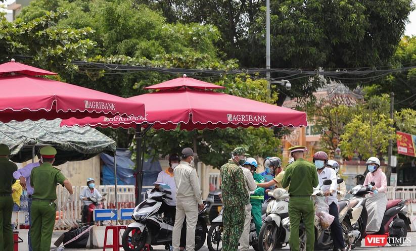 Ảnh: Cận cảnh chốt kiểm soát 5 phường trên địa bàn quận Sơn Trà (Đà Nẵng) ảnh 15