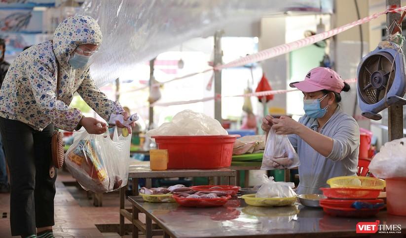 Đà Nẵng chính thức cho chợ truyền thống mở cửa trở lại phục vụ người dân ảnh 3