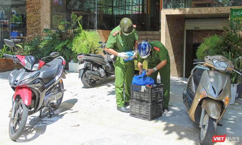 """Ảnh: Khi các chiến sĩ công an ở Đà Nẵng vào vai """"người vận chuyển"""" ảnh 19"""