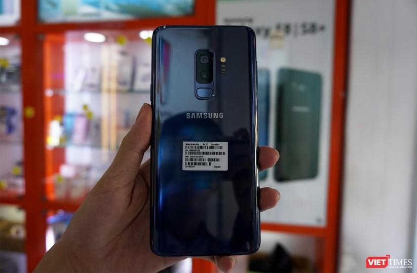 Mở hộp Galaxy S9+ phiên bản 256 GB duy nhất tại Việt Nam ảnh 3