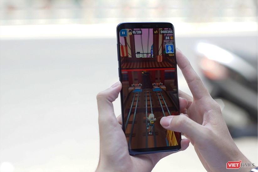 Mở hộp Galaxy S9+ phiên bản 256 GB duy nhất tại Việt Nam ảnh 13