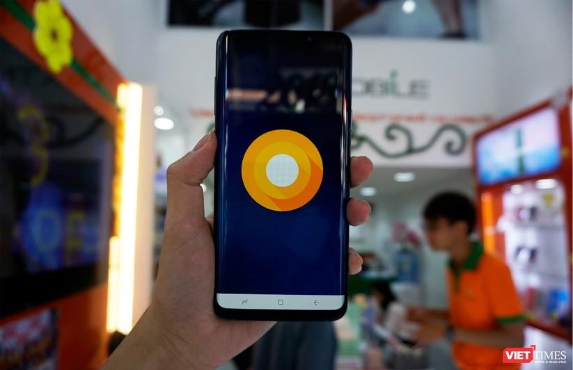 Mở hộp Galaxy S9+ phiên bản 256 GB duy nhất tại Việt Nam ảnh 14