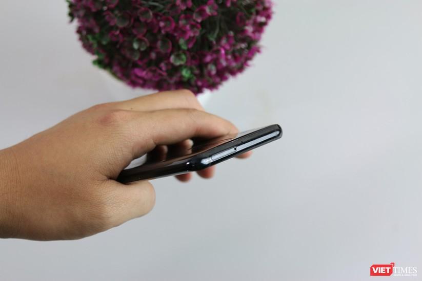 Trên tay smartphone Trung Quốc cao cấp giống Galaxy S9+ ảnh 17