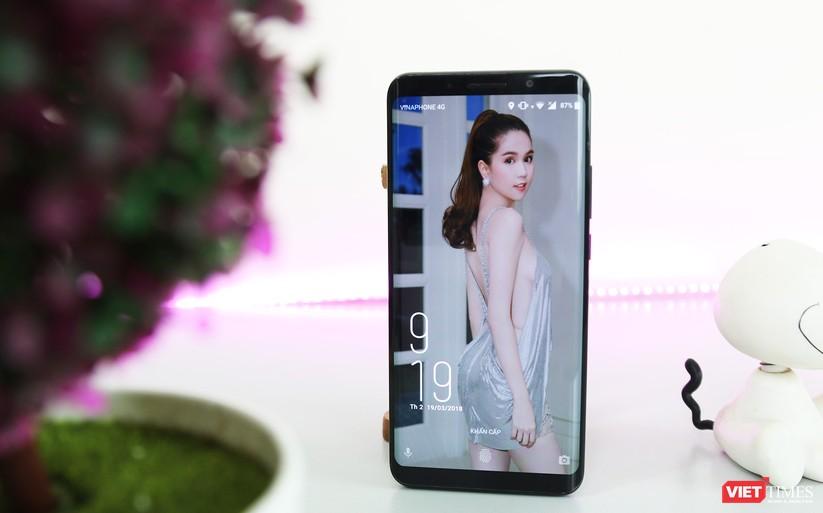 Trên tay smartphone Trung Quốc cao cấp giống Galaxy S9+ ảnh 8