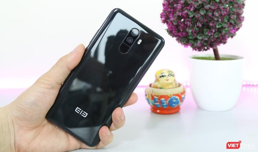 Trên tay smartphone Trung Quốc cao cấp giống Galaxy S9+ ảnh 9