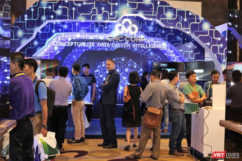 """Chùm ảnh """"Triển lãm Quốc tế về Công nghiệp 4.0"""" tại Việt Nam, nơi có sự hiện diện của robot nổi tiếng Sophia ảnh 14"""