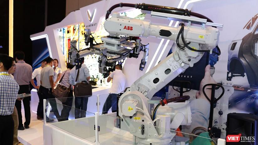 """Chùm ảnh """"Triển lãm Quốc tế về Công nghiệp 4.0"""" tại Việt Nam, nơi có sự hiện diện của robot nổi tiếng Sophia ảnh 1"""
