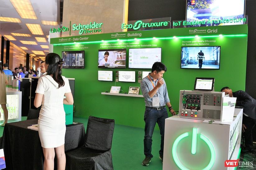 """Chùm ảnh """"Triển lãm Quốc tế về Công nghiệp 4.0"""" tại Việt Nam, nơi có sự hiện diện của robot nổi tiếng Sophia ảnh 20"""