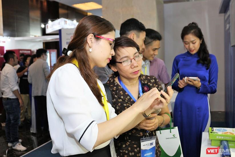 """Chùm ảnh """"Triển lãm Quốc tế về Công nghiệp 4.0"""" tại Việt Nam, nơi có sự hiện diện của robot nổi tiếng Sophia ảnh 24"""
