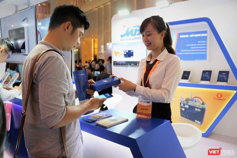 """Chùm ảnh """"Triển lãm Quốc tế về Công nghiệp 4.0"""" tại Việt Nam, nơi có sự hiện diện của robot nổi tiếng Sophia ảnh 26"""
