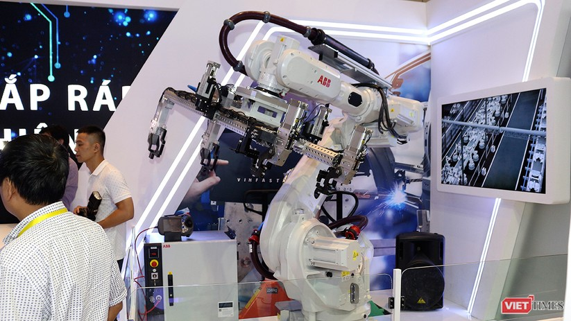 """Chùm ảnh """"Triển lãm Quốc tế về Công nghiệp 4.0"""" tại Việt Nam, nơi có sự hiện diện của robot nổi tiếng Sophia ảnh 2"""