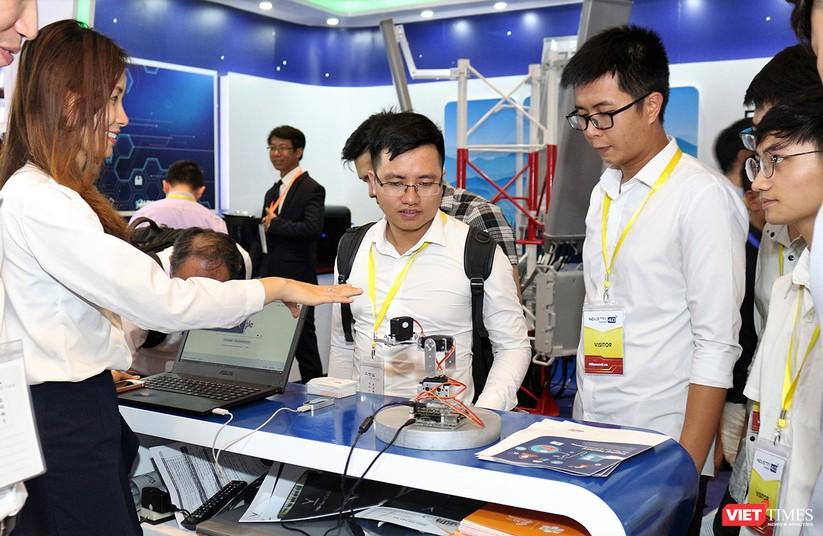 """Chùm ảnh """"Triển lãm Quốc tế về Công nghiệp 4.0"""" tại Việt Nam, nơi có sự hiện diện của robot nổi tiếng Sophia ảnh 3"""