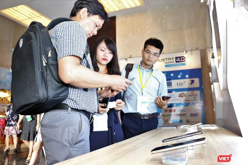 """Chùm ảnh """"Triển lãm Quốc tế về Công nghiệp 4.0"""" tại Việt Nam, nơi có sự hiện diện của robot nổi tiếng Sophia ảnh 8"""