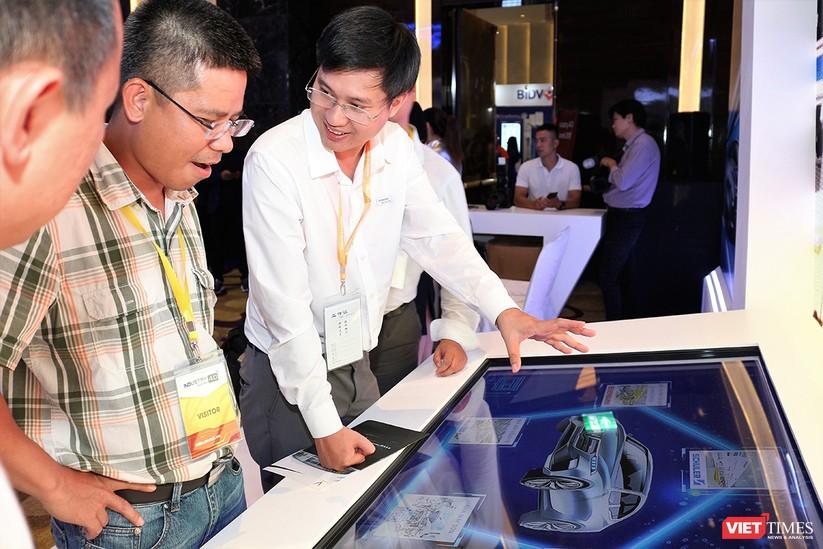 """Chùm ảnh """"Triển lãm Quốc tế về Công nghiệp 4.0"""" tại Việt Nam, nơi có sự hiện diện của robot nổi tiếng Sophia ảnh 10"""