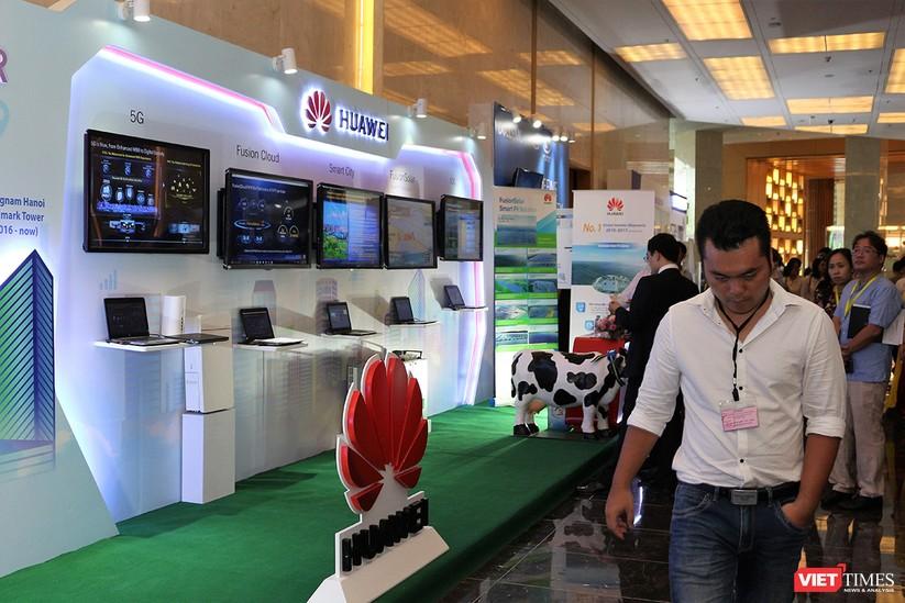 """Chùm ảnh """"Triển lãm Quốc tế về Công nghiệp 4.0"""" tại Việt Nam, nơi có sự hiện diện của robot nổi tiếng Sophia ảnh 11"""