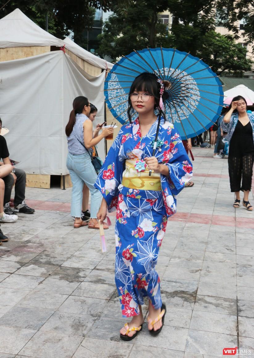 """Rực rỡ sắc màu các bộ trang phục Cosplay trong lễ hội văn hóa Nhật Bản """"Ichigo Ichie 2018"""" tại Hà Nội ảnh 23"""