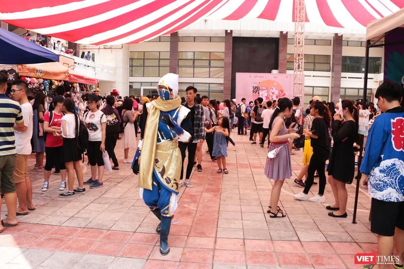"""Rực rỡ sắc màu các bộ trang phục Cosplay trong lễ hội văn hóa Nhật Bản """"Ichigo Ichie 2018"""" tại Hà Nội ảnh 3"""