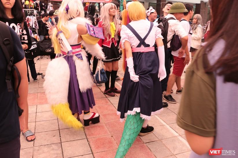 """Rực rỡ sắc màu các bộ trang phục Cosplay trong lễ hội văn hóa Nhật Bản """"Ichigo Ichie 2018"""" tại Hà Nội ảnh 50"""