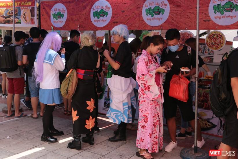"""Rực rỡ sắc màu các bộ trang phục Cosplay trong lễ hội văn hóa Nhật Bản """"Ichigo Ichie 2018"""" tại Hà Nội ảnh 59"""