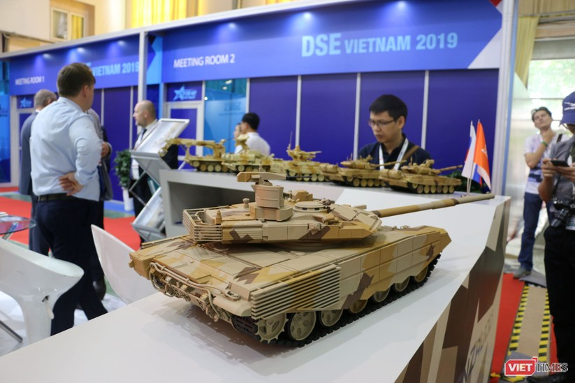 Chiêm ngưỡng hàng trăm trang thiết bị quân sự hiện đại xuất hiện tại Triển lãm Quốc tế về Quốc phòng và An ninh Việt Nam 2019 ảnh 14