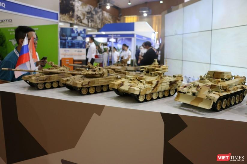 Chiêm ngưỡng hàng trăm trang thiết bị quân sự hiện đại xuất hiện tại Triển lãm Quốc tế về Quốc phòng và An ninh Việt Nam 2019 ảnh 15