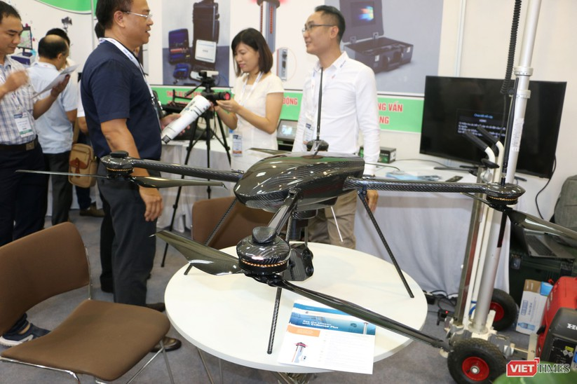 Chiêm ngưỡng hàng trăm trang thiết bị quân sự hiện đại xuất hiện tại Triển lãm Quốc tế về Quốc phòng và An ninh Việt Nam 2019 ảnh 17