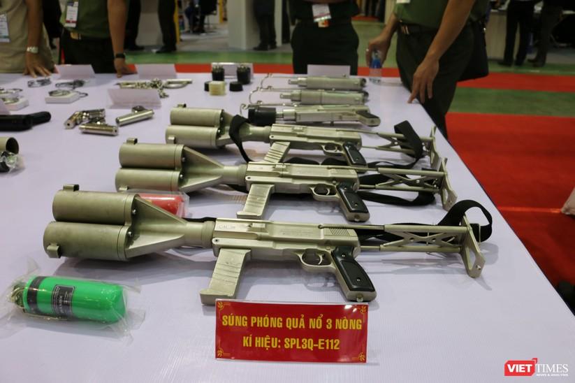 Chiêm ngưỡng hàng trăm trang thiết bị quân sự hiện đại xuất hiện tại Triển lãm Quốc tế về Quốc phòng và An ninh Việt Nam 2019 ảnh 20