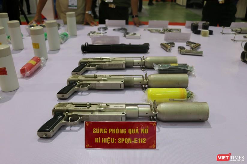 Chiêm ngưỡng hàng trăm trang thiết bị quân sự hiện đại xuất hiện tại Triển lãm Quốc tế về Quốc phòng và An ninh Việt Nam 2019 ảnh 21
