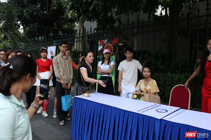 Hàng chục nghìn người chen chúc tham dự lễ hội văn hóa và ẩm thực Hàn - Việt tại phố đi bộ Hồ Gươm ảnh 27