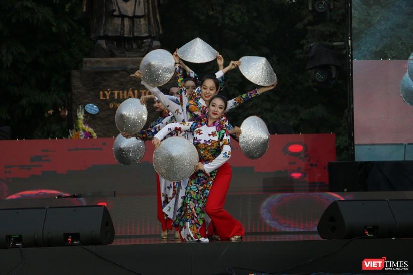 Hàng chục nghìn người chen chúc tham dự lễ hội văn hóa và ẩm thực Hàn - Việt tại phố đi bộ Hồ Gươm ảnh 32