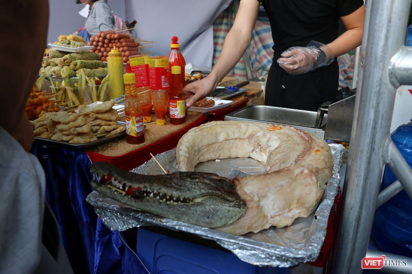 Hàng chục nghìn người chen chúc tham dự lễ hội văn hóa và ẩm thực Hàn - Việt tại phố đi bộ Hồ Gươm ảnh 8