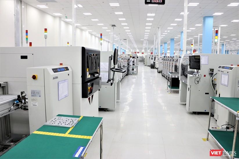Khám phá nhà máy sản xuất thiết bị điện tử thông minh Vsmart ảnh 11