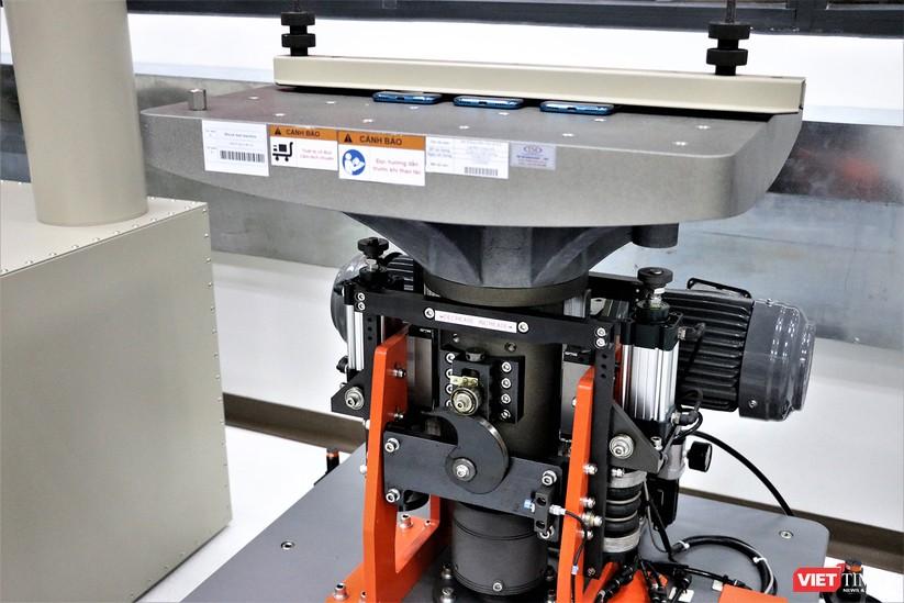 Khám phá nhà máy sản xuất thiết bị điện tử thông minh Vsmart ảnh 6