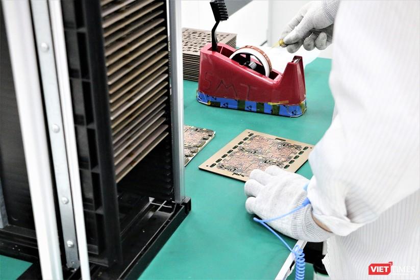 Khám phá nhà máy sản xuất thiết bị điện tử thông minh Vsmart ảnh 13