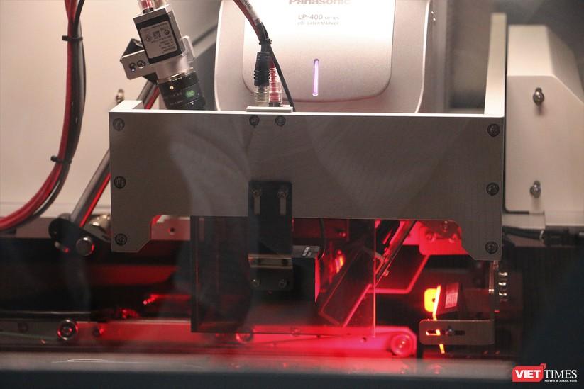 Khám phá nhà máy sản xuất thiết bị điện tử thông minh Vsmart ảnh 14
