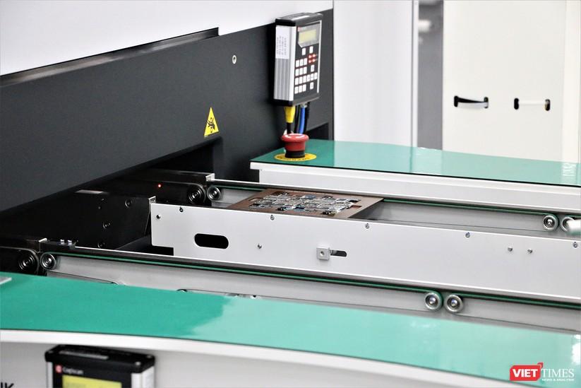 Khám phá nhà máy sản xuất thiết bị điện tử thông minh Vsmart ảnh 16