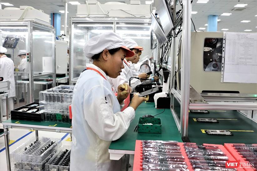 Khám phá nhà máy sản xuất thiết bị điện tử thông minh Vsmart ảnh 19