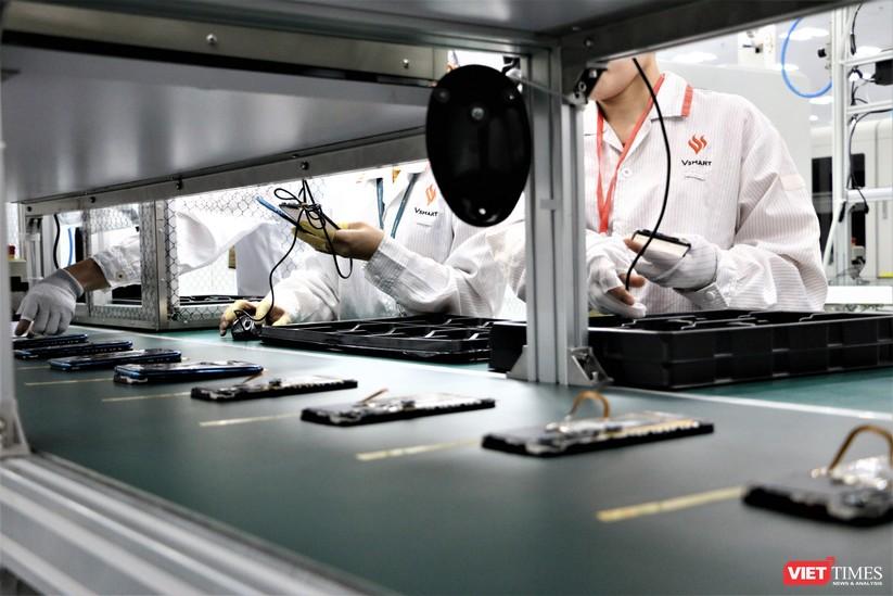 Khám phá nhà máy sản xuất thiết bị điện tử thông minh Vsmart ảnh 21