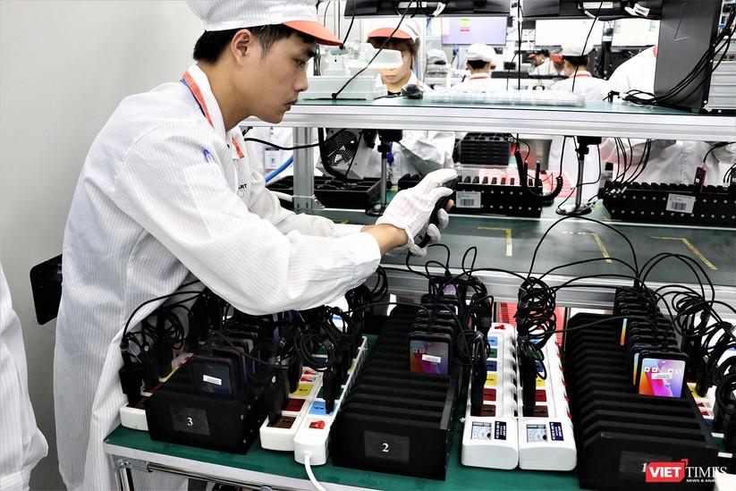 Khám phá nhà máy sản xuất thiết bị điện tử thông minh Vsmart ảnh 24