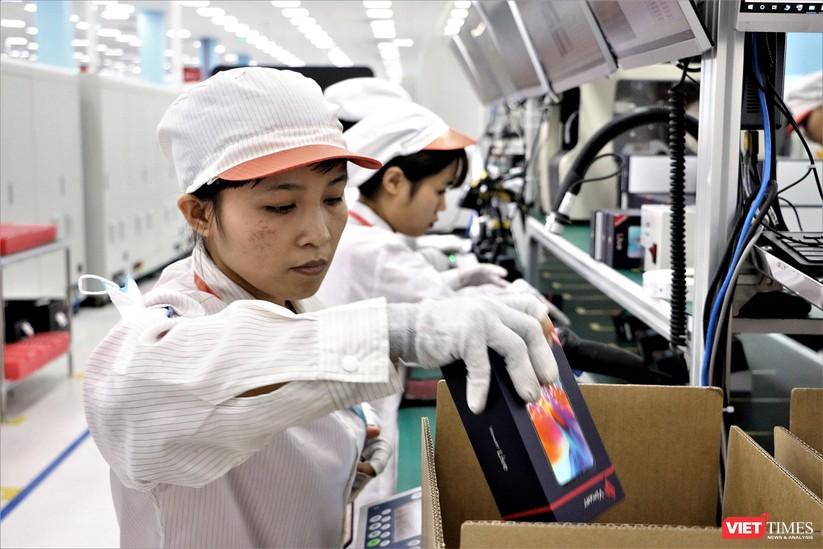 Khám phá nhà máy sản xuất thiết bị điện tử thông minh Vsmart ảnh 25