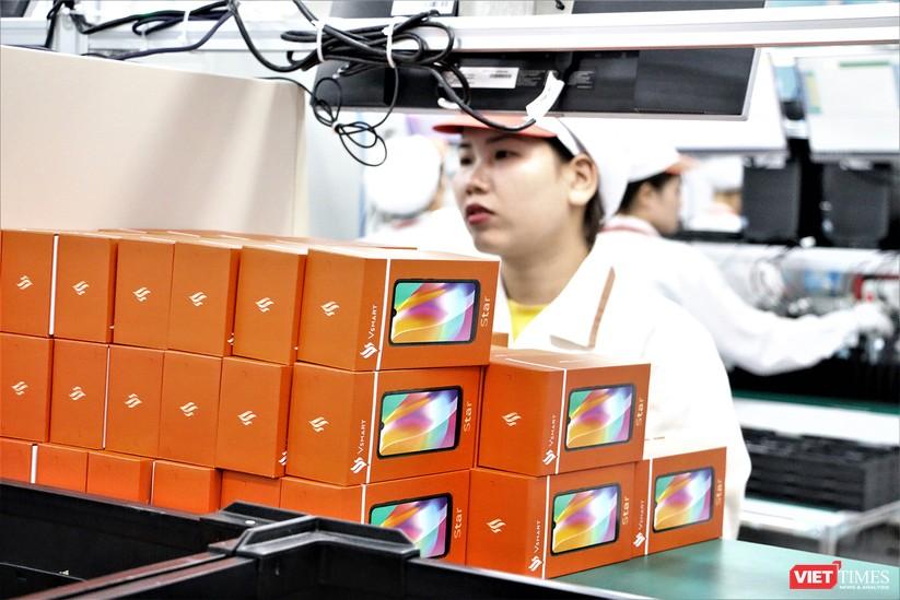 Khám phá nhà máy sản xuất thiết bị điện tử thông minh Vsmart ảnh 26