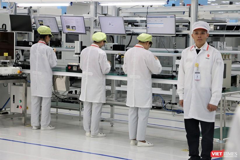 Khám phá nhà máy sản xuất thiết bị điện tử thông minh Vsmart ảnh 29
