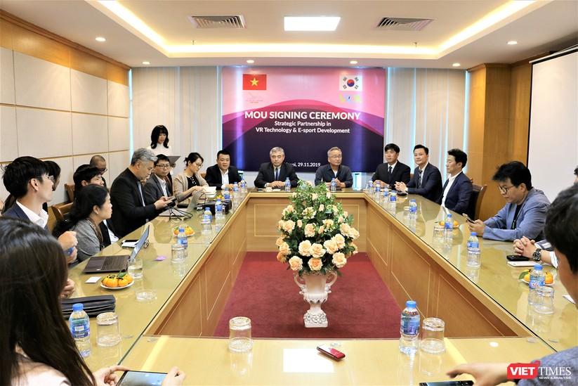 Việt Nam - Hàn Quốc ký bản ghi nhớ hợp tác phát triển công nghiệp nội dung Thực tế ảo và Thể thao điện tử ảnh 2