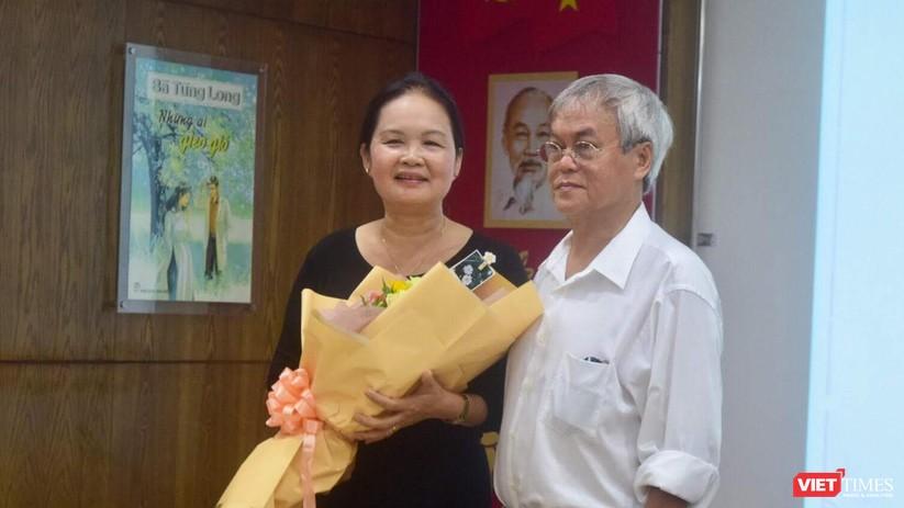 Bà Tùng Long trở lại văn đàn Việt với 10 đầu sách hot ảnh 4