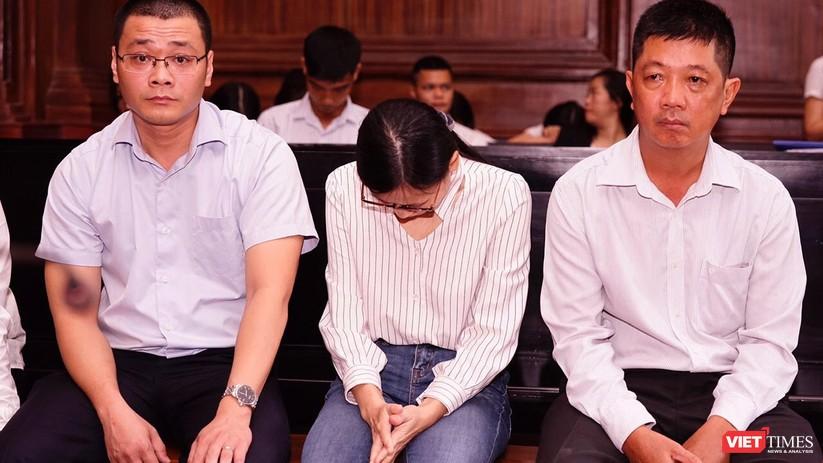 Giọt nước mắt muộn màng và chiếc băng ca cấp cứu ở phiên tòa ảnh 2