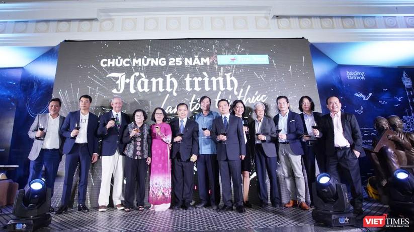 Nhiều tác giả, dịch giả có mặt chia vui với tuổi 25 của First News Trí Việt