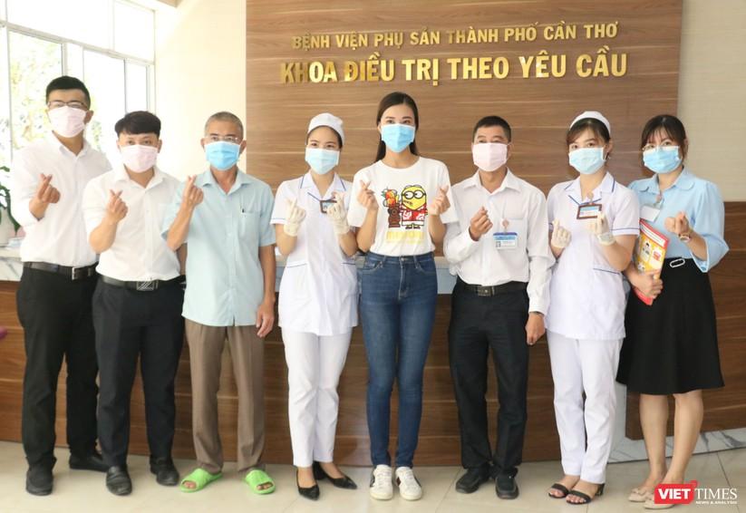 Á hậu Kim Duyên phát khẩu trang y tế miễn phí tại BV Cần Thơ ảnh 7
