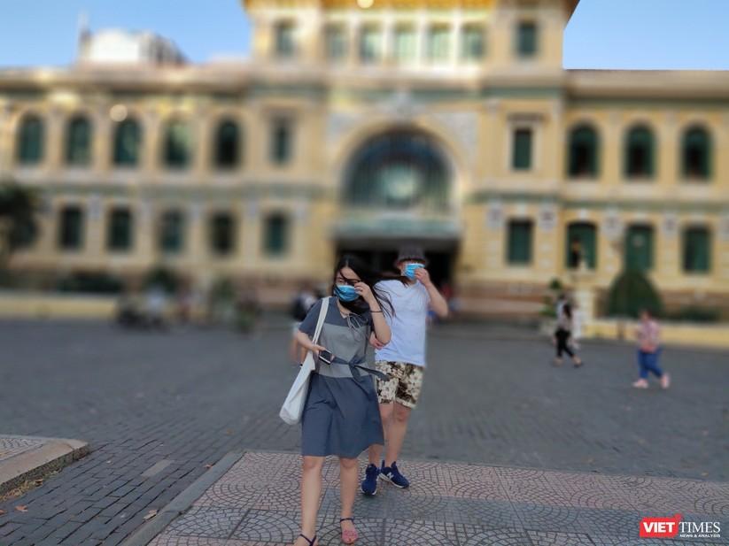 HDV và khách du lịch không đeo khẩu trang vì không sợ COVID-19? ảnh 12