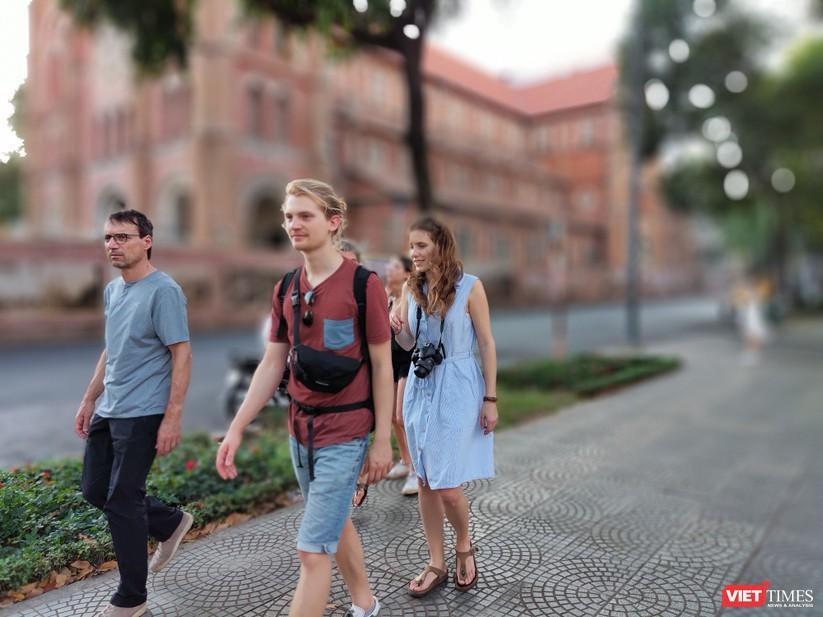 HDV và khách du lịch không đeo khẩu trang vì không sợ COVID-19? ảnh 11