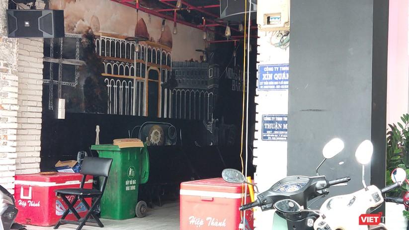 Xỉn quán trên đường Trần Hưng Đạo hiện tại vẫn chưa thể mở cửa trở lại (Ảnh: H.B)